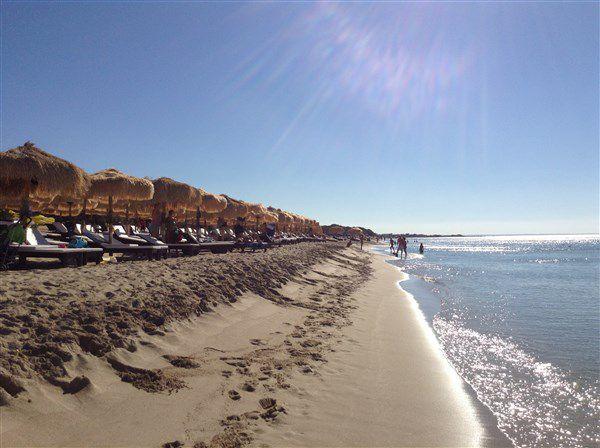пляж в порто чезарео (апулия)